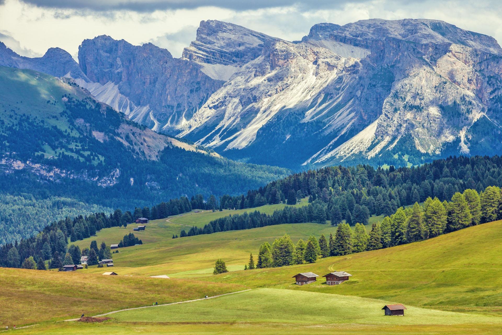 ドロミーティの山岳風景
