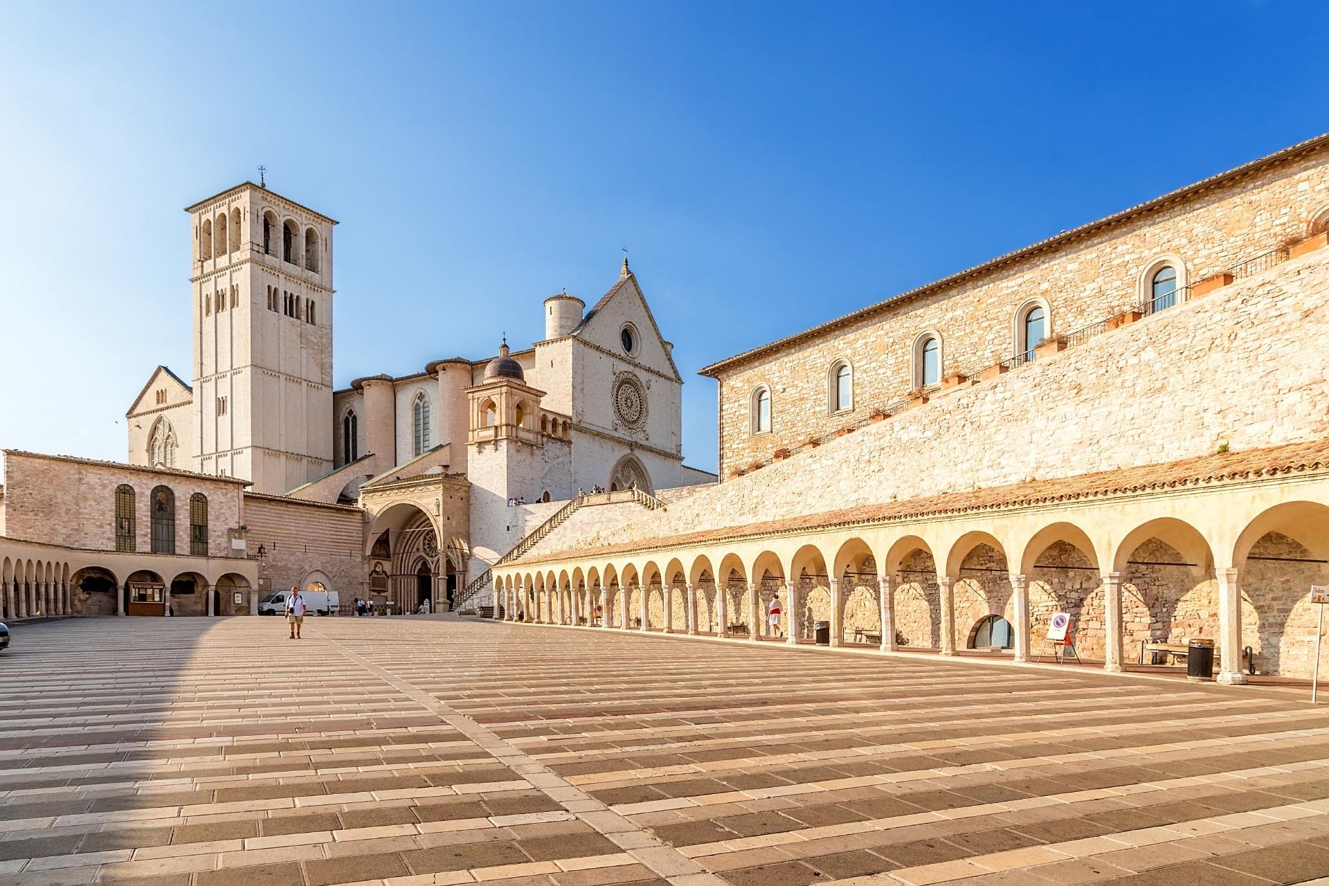 アッシジ、フランチェスコ聖堂と関連修道施設群の画像 p1_23