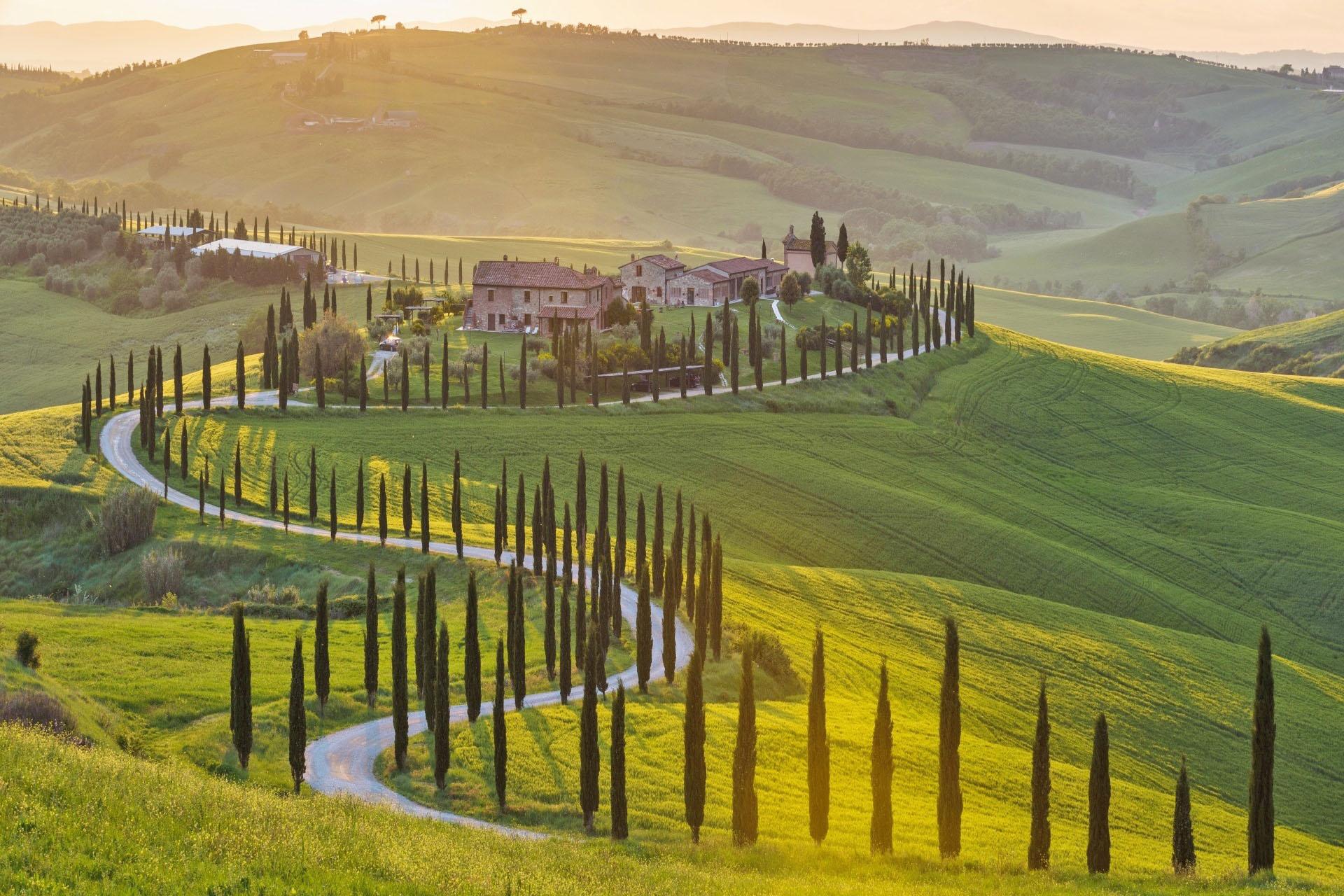 春のイタリア イタリアの田園風景 イタリアの風景