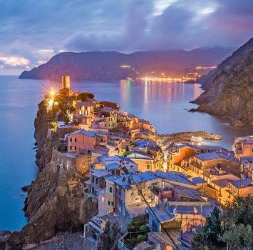 ヴェルナッツァ 夏の夜の風景 イタリアの風景