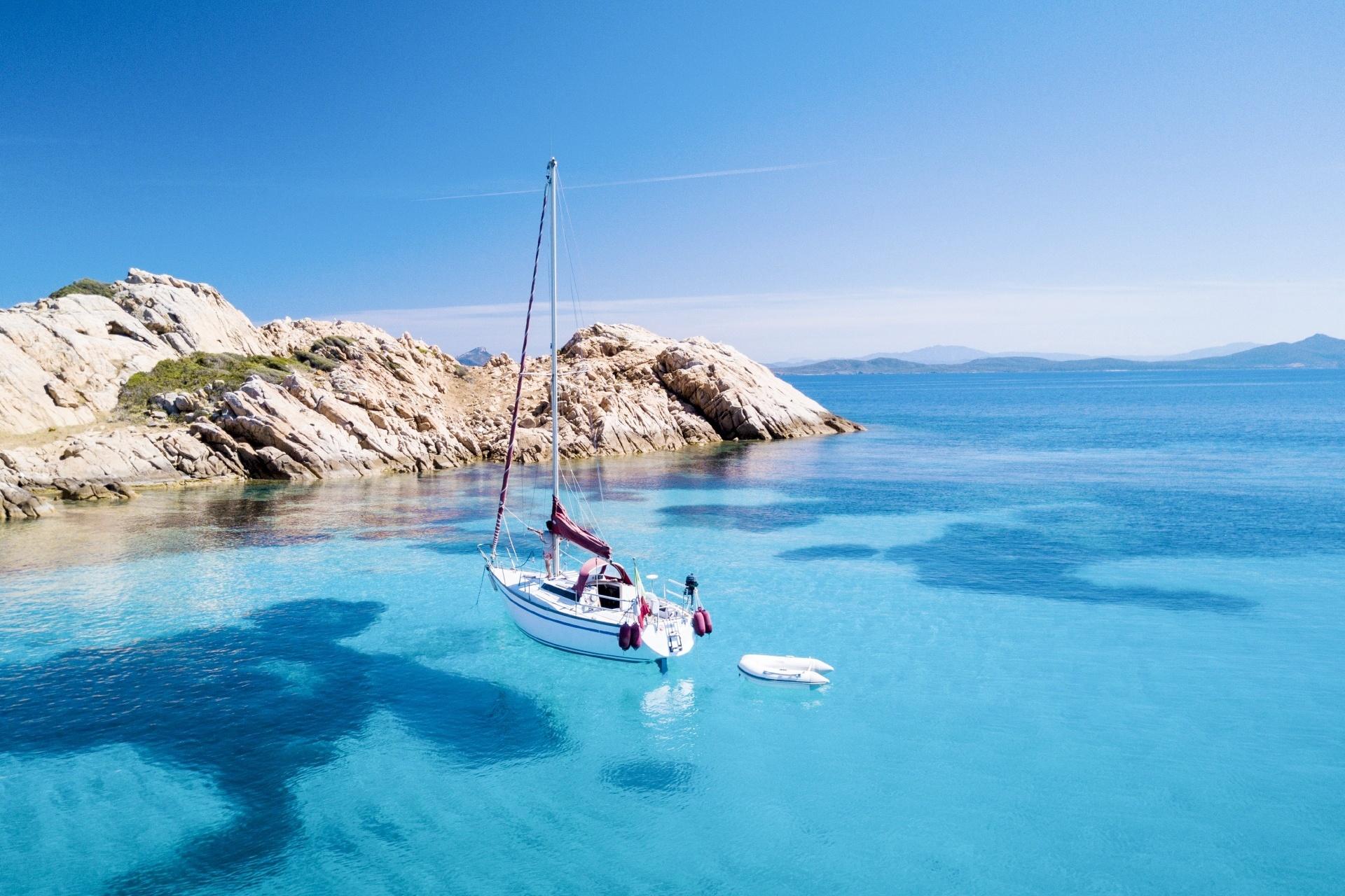 サルデーニャ コスタ・スメラルダの美しい海 イタリアの風景  モルトリオ島 サルデーニャ イタリア