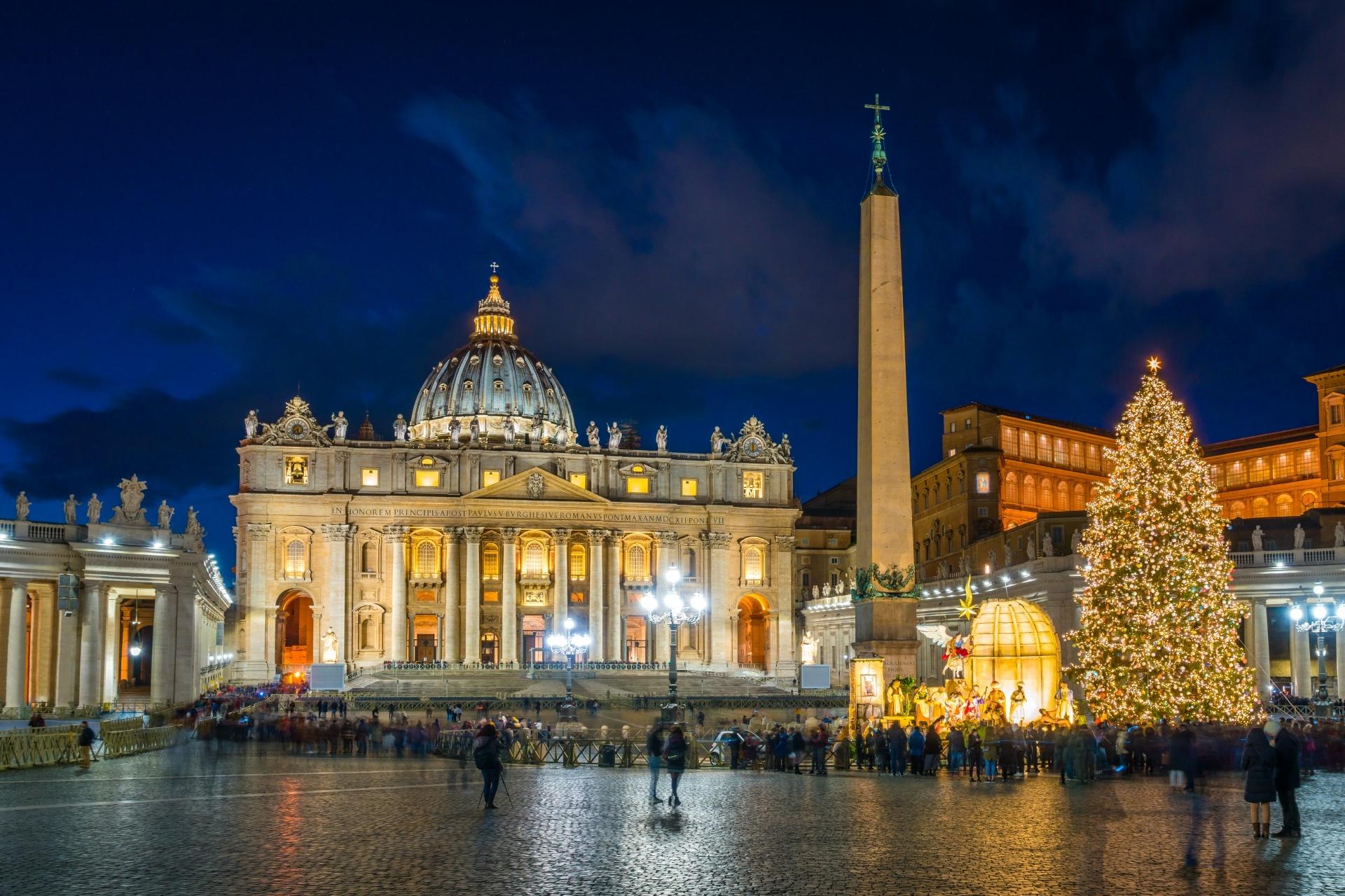 クリスマスのサン・ピエトロ大聖堂 バチカン市国のクリスマス風景