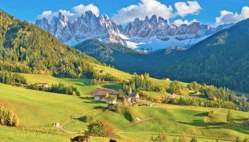 サンタ・マッダレーナ村の風景 イタリアの風景